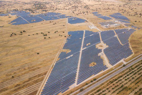 2018-07-25-central-fotovoltaica-Ourique-100-hectares-eletricidade-1